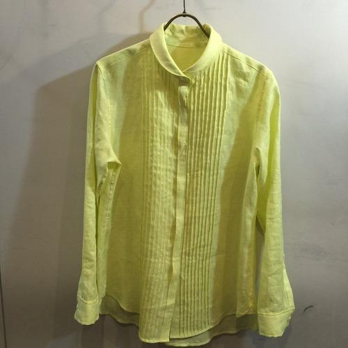 リネンのピンタックシャツ